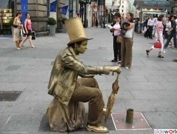 Living_Statues_All_Over_the_World